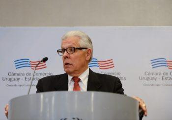 Almuerzo con el Embajador de los EE.UU., Kenneth S. George